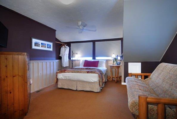 purple-mountain-whetstone-room